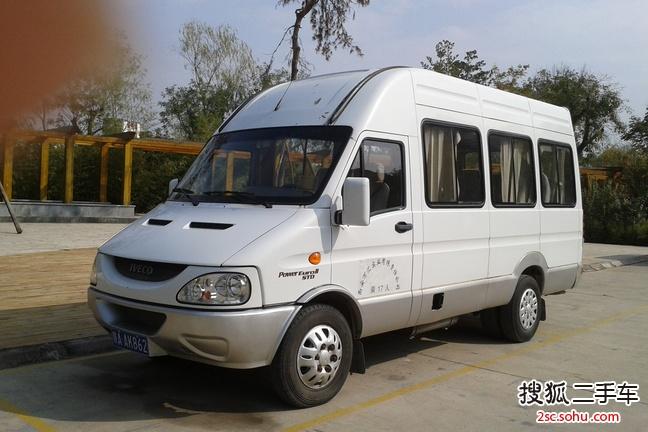 西安-依维柯都灵v依维柯nj6592er轻型客车